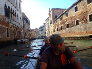 Ruderboot mitten in Venedig Blog Po 2017